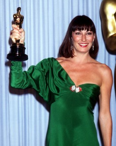 58th Annual Academy Awards, 1985, Looking fabulous in an emerald green asymmetric gown!