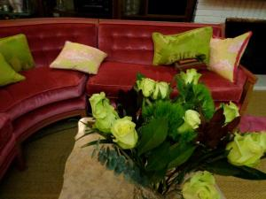 Pink sofa! And the gorgeous flowers Boyfriend bought just for me!