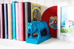 Creating these cute, themed bookends seems pretty easy! Choose the person-propriate animal, spray paint, and affix to a piece of wood!