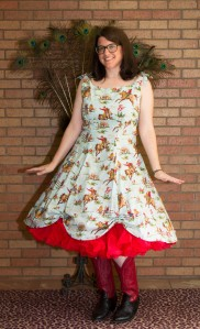 This is such a great pattern, and I adore the fabric! It looks like a 1960s wallpaper: buckin' broncos and all! It's also perfect with my red petticoat!